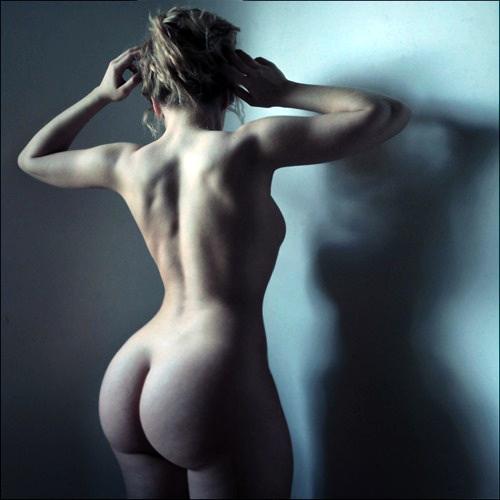 naked girl by moonlight