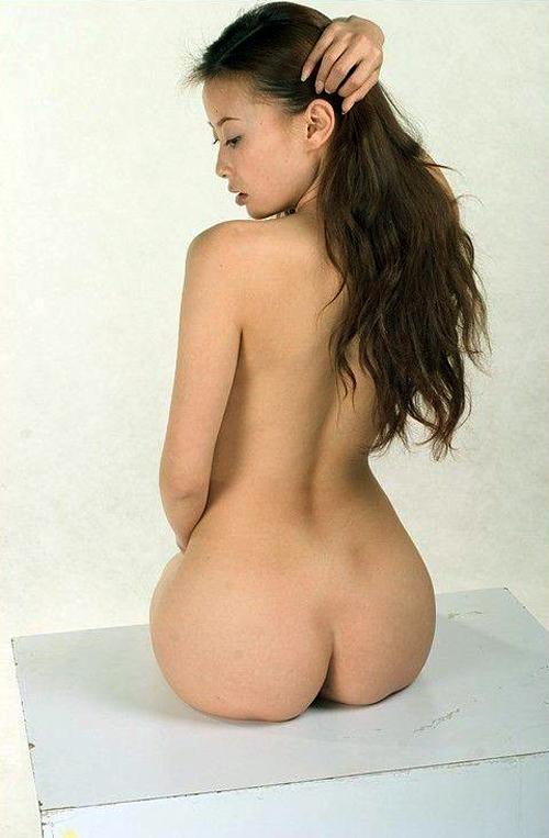 Naked Chinese girl