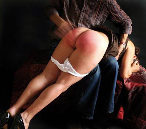 ирана играть бить дам по жопе растегивает блузку