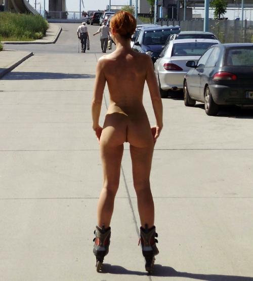 nude skater