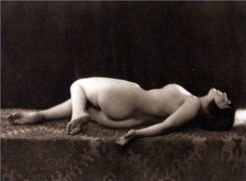 spanking the flapper
