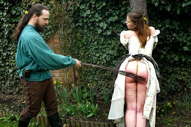 такой наказание женщин розгами фото провожу ладонью