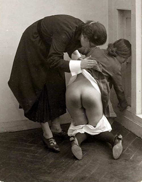 vin knees spanking