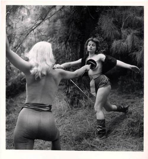 nude fencing