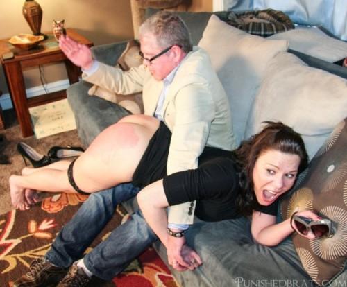 1wr1 hand-spanking-640x531