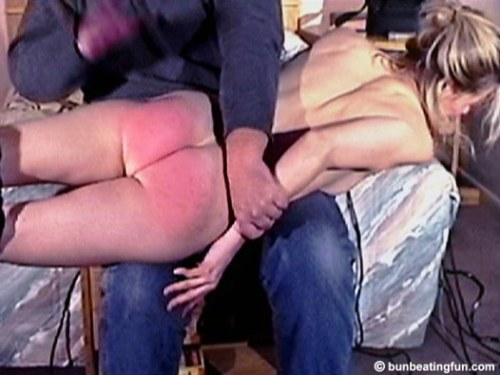 wr1 OTK-Spanking-for-Julian-Wells