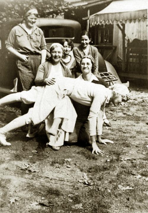 2vin 1930s field workers