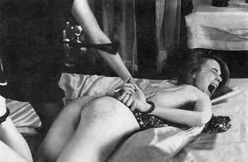 vin girl-getting-spanked-vintage-photo-c