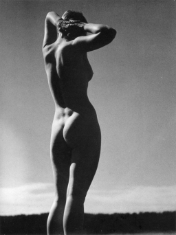 vin -photography-andreas-feininger-standing-nude-1933-1397602500_org